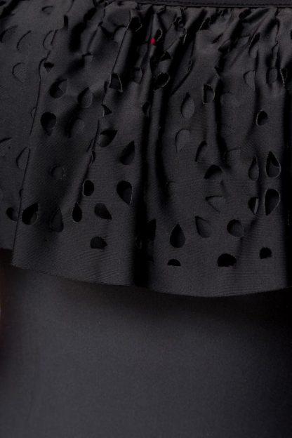 Badeanzug schwarz mit Carmen-Ausschnitt und Volant